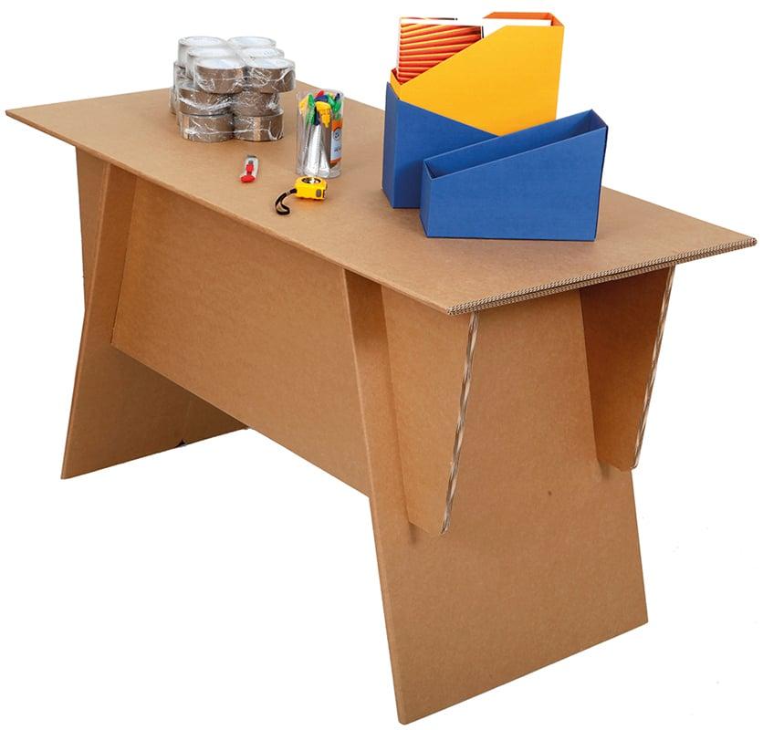 Tämä pöytä on kevyt ja kestävä. Pöytä on helppo koota ja purkaa. Kun et tarvitse sitä, voi säilyttää sitä mukana tulevassa pahvilaatikossa.