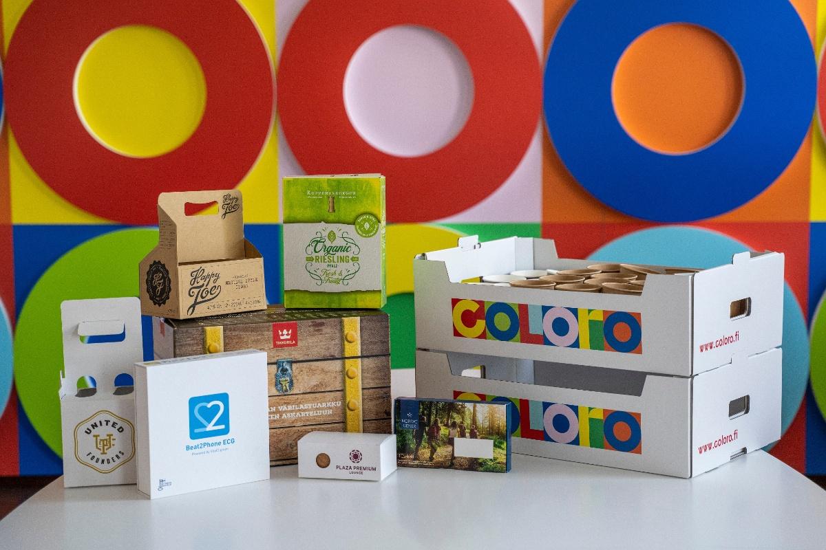 Monenlaiset pakkausmateriaalit ja tuotepaketit Colorolta